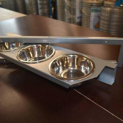Foder karrusel i galvaniseret finplade med 3 skåle | Randers volieren